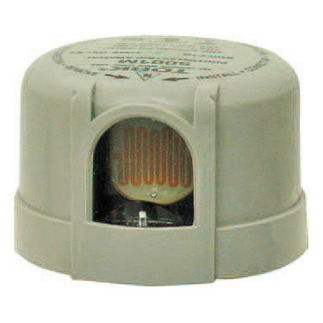 TORK 5001M - Photo Control - Locking-Type Mount - Delayed Response - 1 in. Cell - Lightning Arrestor - 105-130 Volt